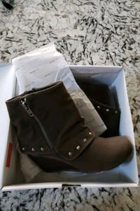 New womens brown Ankle boots Calgary, T3K