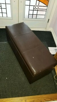 Entryway brown faux leather storage bench  Mississauga, L5R 2Y6