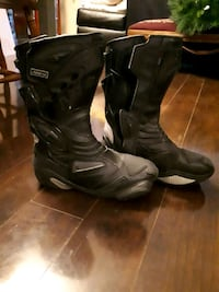 Motorcycle riding boots Toronto, M8Z 1P5