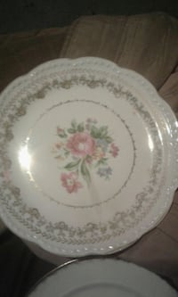 white and pink floral ceramic plate St. Clair County, 62240