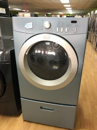 Frigidaire blue dryer with pedestals  47 km