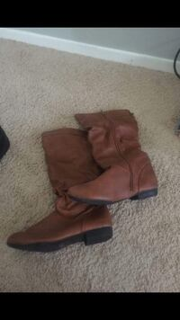 Brown boots  Oxon Hill, 20745
