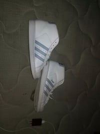 white and gray Adidas Superstar Laurel Hill, 28351