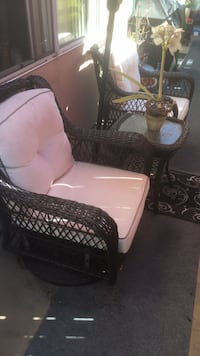 Patio Furniture (2 chairs & A Table) Los Angeles