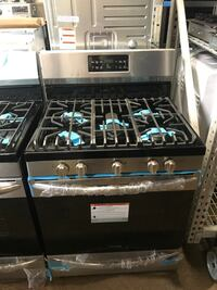 Gas stove convection stainless steel new Frigidaire Gallery 6 months Baltimore, 21227