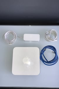Apple WiFi Router - AirPort