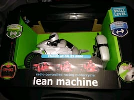 Lean machine radio controlled motorcycle