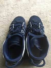 Pair of black nike basketball shoes Fort Washington, 20744
