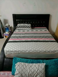 Bedroom set with dressing drawers night stand and  Markham, L3S 4T5