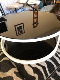 Round white and black glass top and bottom removable Tucson, 85730
