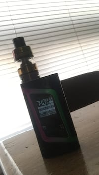 black variable box mod with atomizer tank