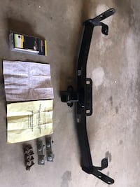 Class III Trailer Hitch for 2005 to 2017 Chevy Equinox, comes with wiring, hardware & installation instructions.  Thanks Lincoln University, 19352