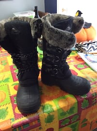 pair of black UGG Bailey Button boots Ottawa, K4A 3S4