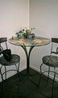 Counter height Glass table with 2 bar stools Lexington