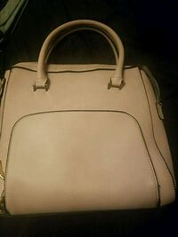 Bag , lilac, zipper in front/back and extra one inside Capitol Heights, 20743