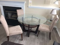Dining Table with three Chairs Elkridge