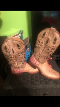 Alligator ladies boots size 9 Taylorsville, 39168
