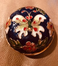 Vintage enameled tiny butterfly container   Silver Spring, 20904