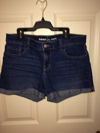 Old navy size 6 women's denim shorts Edmonton, T5E 0Z1