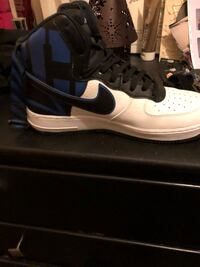 Blue and white nike size 9 Janesville, 53546