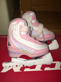 Softer girls skates.  Size 9J. Excellent condition.
