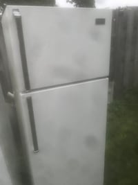 white top-mount refrigerator St Catharines, L2M 6W2