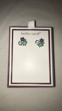 Earrings Centreville