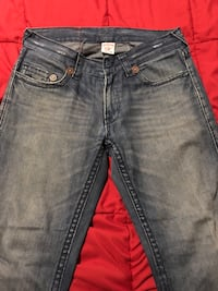 True religion size 32 price is firm Toronto, M1R