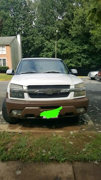 Chevrolet - Avalanche - 2002 Triangle, 22172