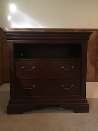 brown wooden 2-drawer nightstand Springfield, 22151