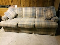 gray and white plaid 3-seat sofa Scranton, 18505