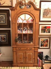 Pine display and storage cabinet Toronto, M9A 5H5
