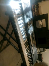 Yamaha electric keyboard w/ stand Westminster, 21158