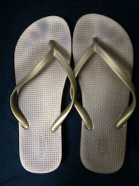 Old Navy Gold Sandles