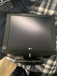 2 TVs with a cord Aurora, L4G 6T3