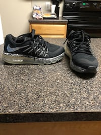 Two pair Nike Air Max size 4.5 youth converts to 6.5 women fits both sizes Austin, 78746