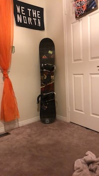 black and red snowboard with bindings Barrie, L4N 7T7