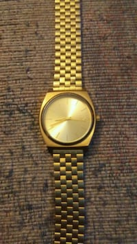 round gold analog watch with link bracelet Victoria, V9A 2A9