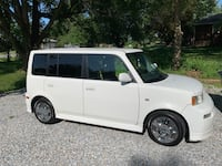 Scion - xB - 2006