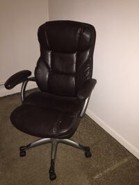 black leather rolling office chair Claymont, 19703
