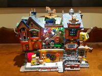 Tinkertown toy Factory porcelain house.working condition...Lemax 2005 Cambridge, N1R 4W1