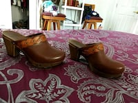 pair of brown leather shoes Shelburne, 05482