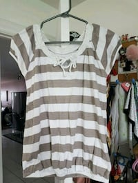 Gray stripes top size M  Montreal