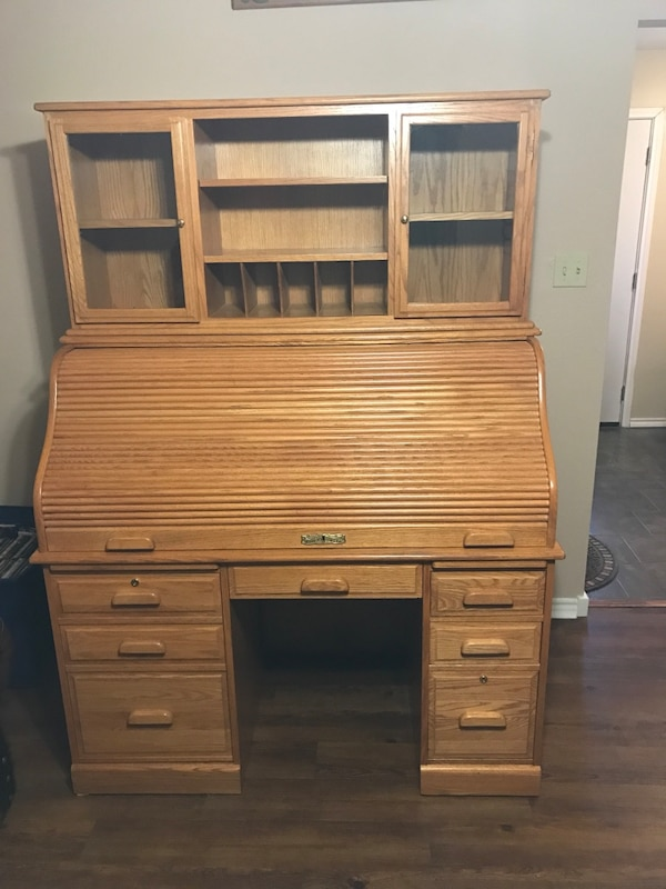 Winners Only Solid Oak Roll Top Desk With Removable Hutch