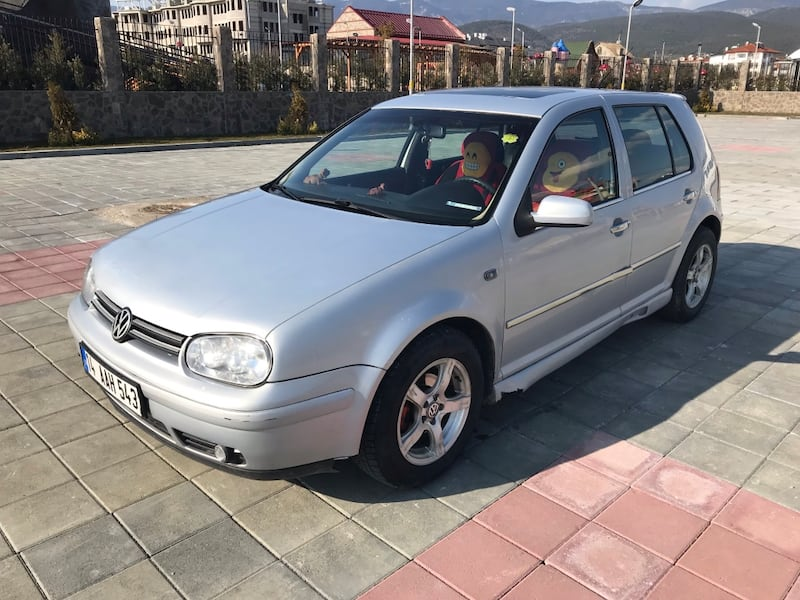 Volkswagen - Golf - 2000 4