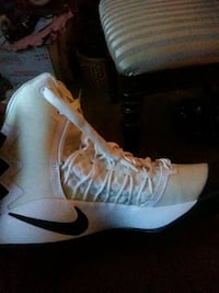 pair of white-and-black Nike basketball shoes Clayton County, 30349