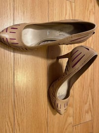 Size 10 shoes $83 for 4 shoes Toronto, M3B 2W5