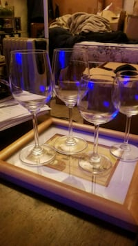 2 tall 2short crystal wine glasses they match Lake Tapps, 98391