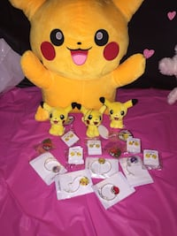 Pikachu plush toy and accessories Crowley, 76036