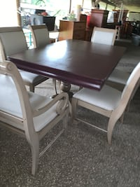 All SolidWood Table 6 Chairs & 2 Leafs Refinished In Great Conditions  Ocala, 34472